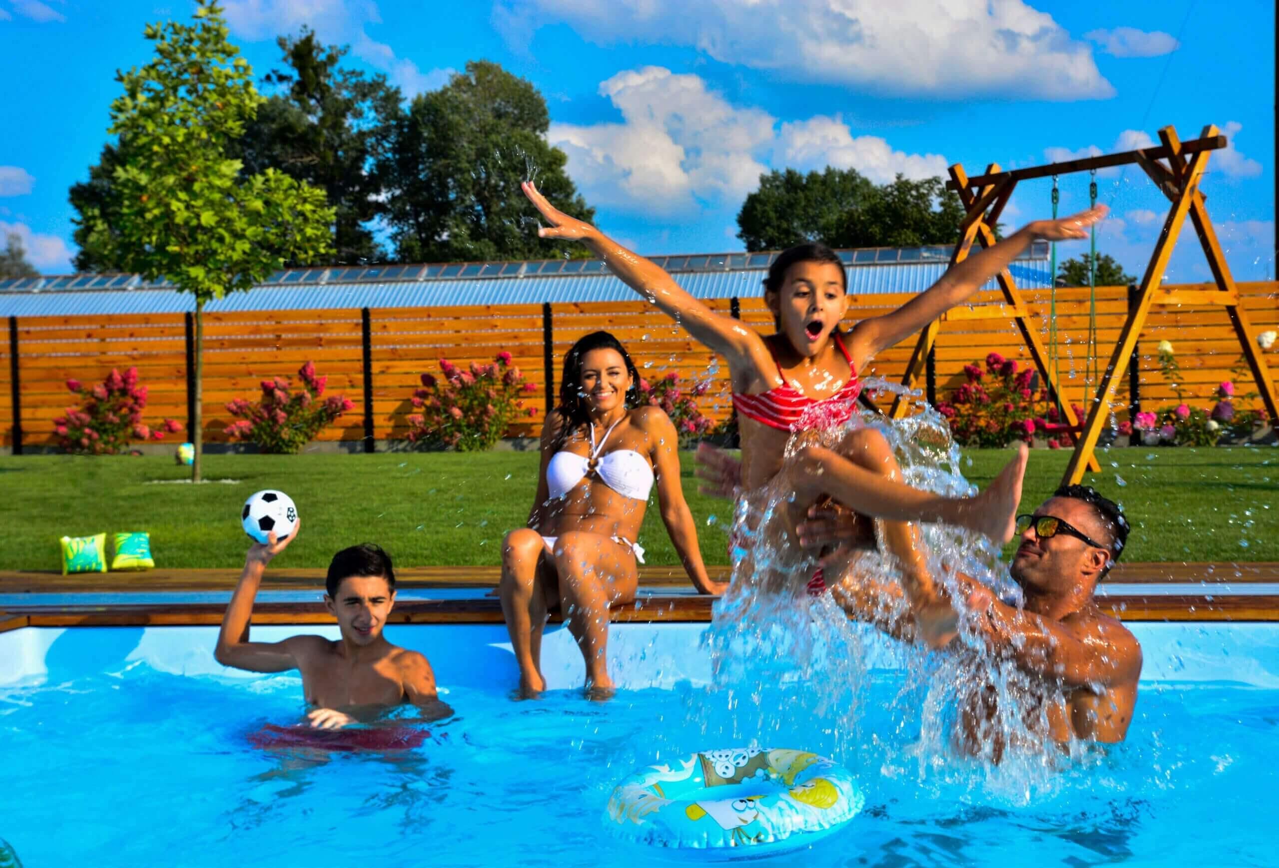 sich für eigenen Einbaupool entscheiden, varianten, skimmer pool, beton pool, hause, einzelnen, sorgt, kein styropor , stabilität für jahre, beste pools auf dem markt