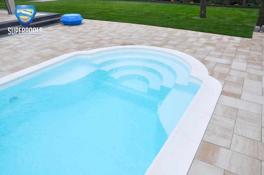 pools aus polen gfk schwimmbecken pool next. Black Bedroom Furniture Sets. Home Design Ideas